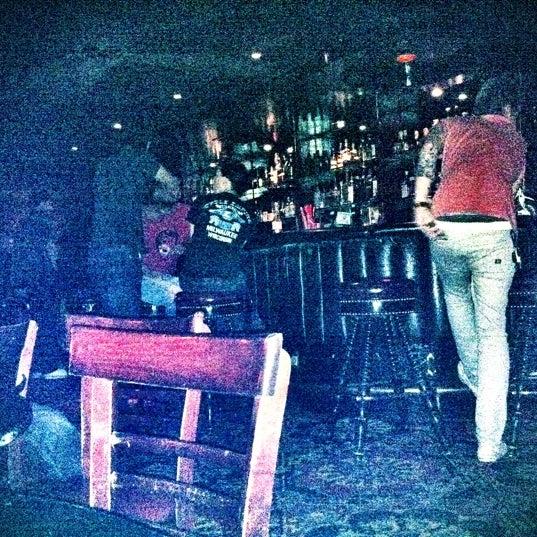Photo prise au Three Clubs par Jen Pollack B. le9/28/2011