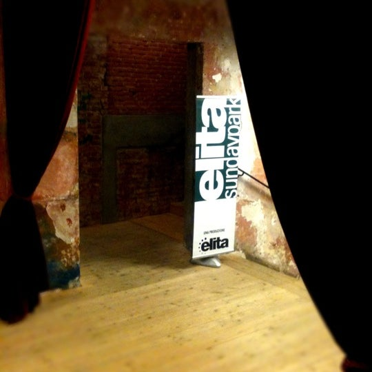 Снимок сделан в Teatro Franco Parenti пользователем Sancho R. 1/29/2012