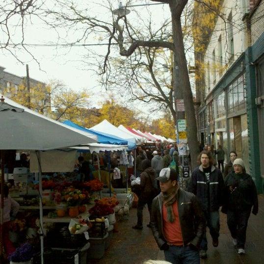 Photo prise au Ballard Farmer's Market par Jeff P. le10/30/2011