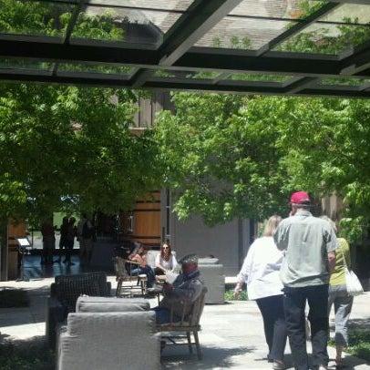 รูปภาพถ่ายที่ Ram's Gate Winery โดย Vanessa J. เมื่อ 4/28/2012