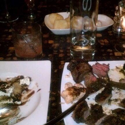 Foto diambil di Chima Brazilian Steakhouse oleh Kenny pada 12/4/2011