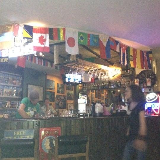 Photo prise au Los Amigos par Ata ö. le7/2/2012