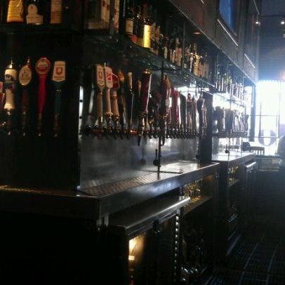 Foto scattata a SmithHouse - BBQ, Burgers, Brews da dana k. il 3/22/2012