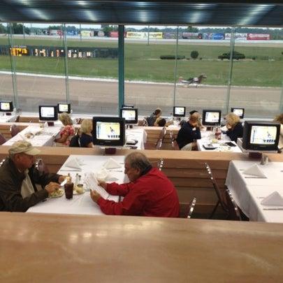Photo prise au Eldorado Gaming Scioto Downs par Ryan S. le7/27/2012