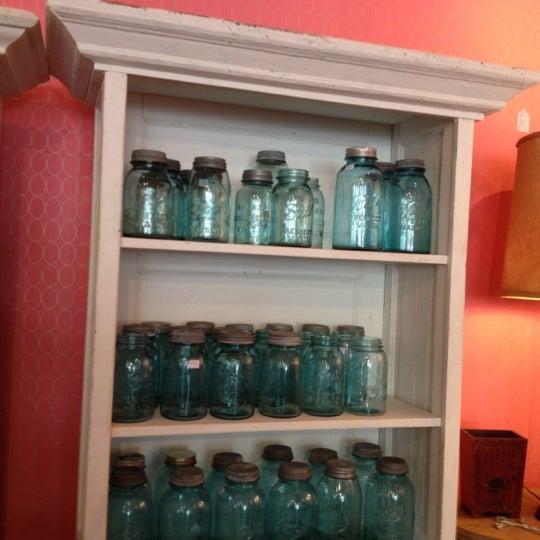 Foto diambil di Miss Pixie's oleh Michelle D. pada 9/13/2012