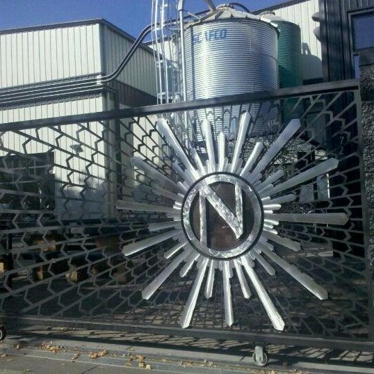 9/20/2011にThomas P.がNinkasi Brewing Tasting Roomで撮った写真