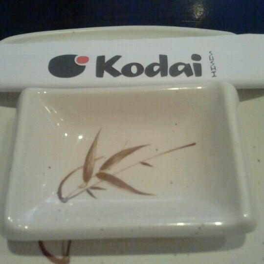 Foto tirada no(a) Kodai Sushi por Ivan T. em 8/26/2012