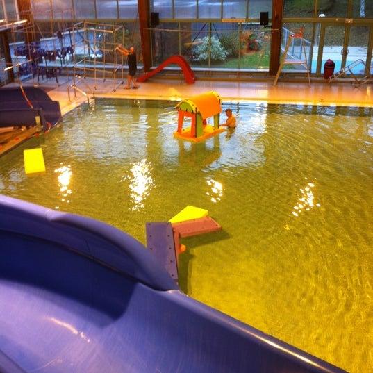 piscine du triolo piscina en villeneuve d 39 ascq. Black Bedroom Furniture Sets. Home Design Ideas