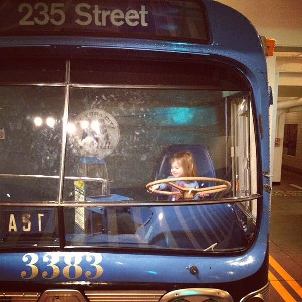 3/6/2012 tarihinde Alex Z.ziyaretçi tarafından New York Transit Museum'de çekilen fotoğraf
