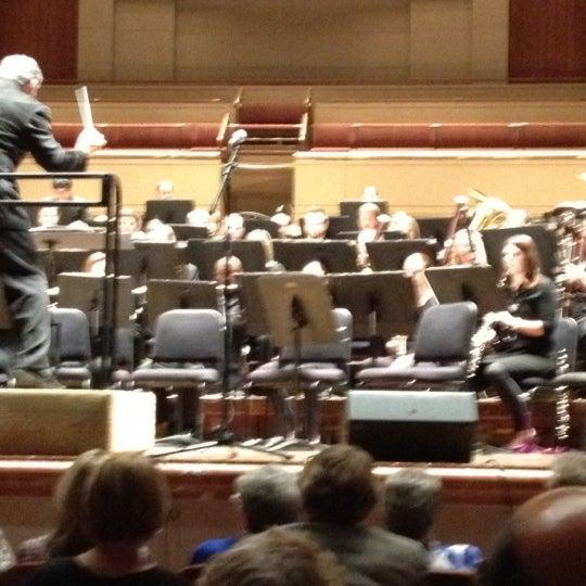 Foto tirada no(a) Morton H. Meyerson Symphony Center por Andrew S. em 4/1/2012
