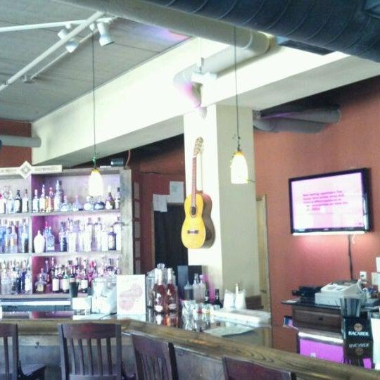 3/14/2012에 Tom S.님이 Angelo's Cafe Vino에서 찍은 사진