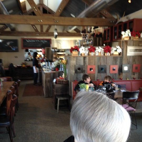 12/23/2011にCharlie F.がSilver Star Caféで撮った写真