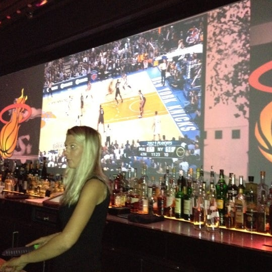 Foto tomada en HaVen Gastro-Lounge por Nick C. el 5/4/2012
