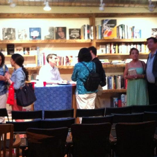 Das Foto wurde bei BookCourt von Mike H. am 7/12/2012 aufgenommen