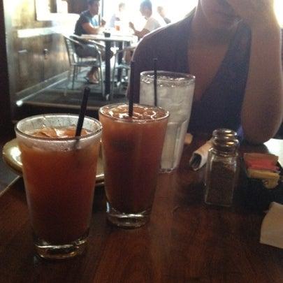 7/22/2012 tarihinde James W.ziyaretçi tarafından Union Cafe'de çekilen fotoğraf