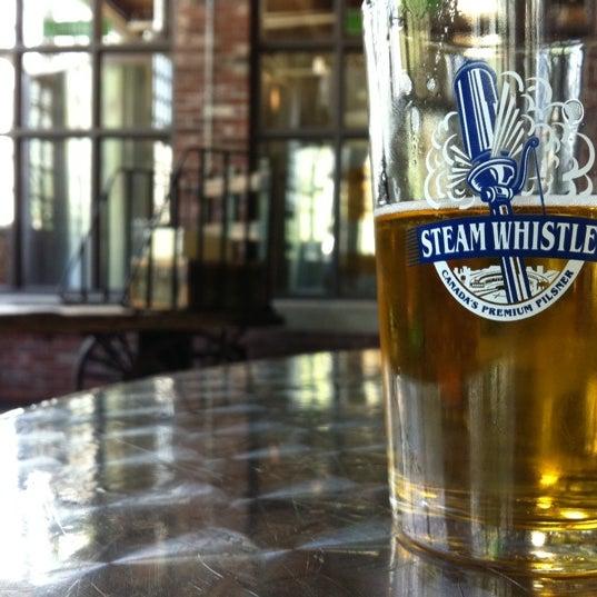 6/17/2011 tarihinde Matt C.ziyaretçi tarafından Steam Whistle Brewing'de çekilen fotoğraf