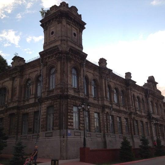Снимок сделан в Площадь Ленина пользователем Roman L. 7/1/2012
