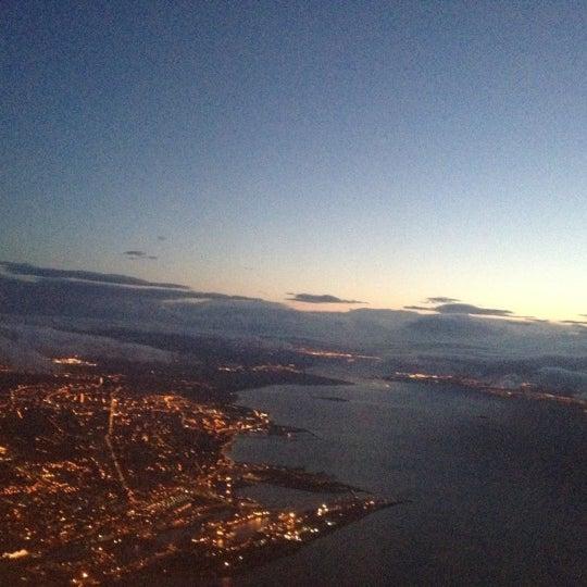 Das Foto wurde bei Edinburgh Airport (EDI) von Emidio am 6/28/2012 aufgenommen