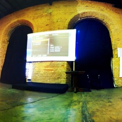 รูปภาพถ่ายที่ CentoeQuatro โดย Rubens W. เมื่อ 8/15/2012