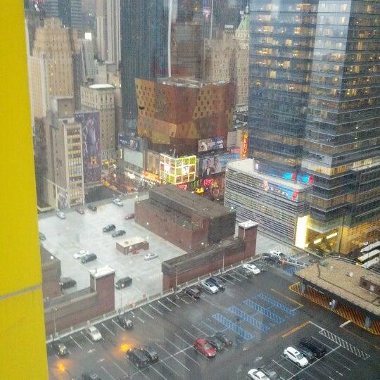 Снимок сделан в Sky Room пользователем @CaptGeek (. 6/12/2012