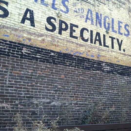 Foto scattata a Chloe Discotheque da Tim Q. il 3/9/2012
