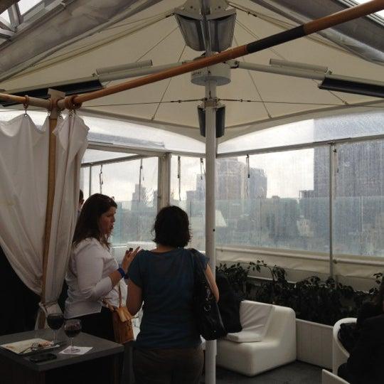 Снимок сделан в Sky Room пользователем Katalin B. 6/12/2012