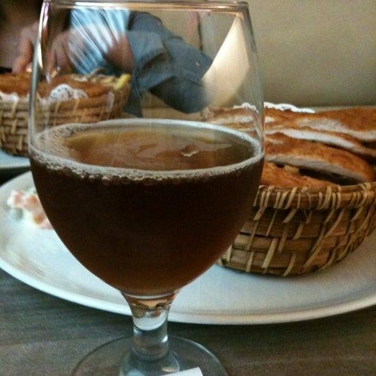 Foto tomada en Dudu Cafe Restaurant por Ayse el 7/3/2012