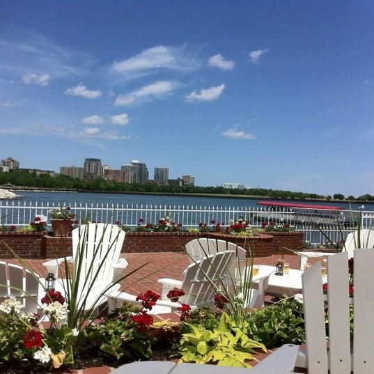 Foto tomada en Harbor House por Cynthia B. el 6/17/2012