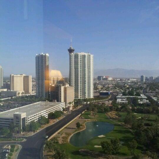 Снимок сделан в LVH - Las Vegas Hotel & Casino пользователем Oscar K. 5/5/2012