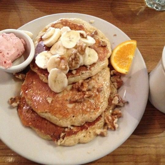 4/14/2012 tarihinde Hiro T.ziyaretçi tarafından Good Enough to Eat'de çekilen fotoğraf