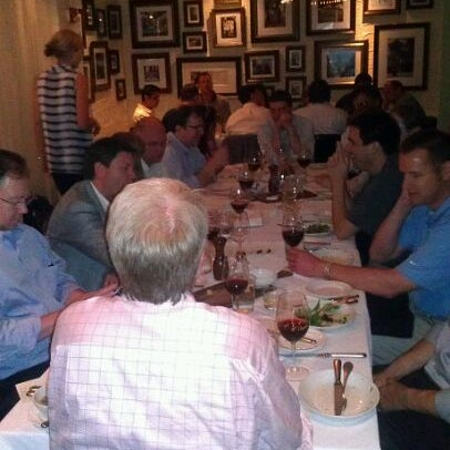 รูปภาพถ่ายที่ Ecco Midtown โดย David เมื่อ 5/24/2012