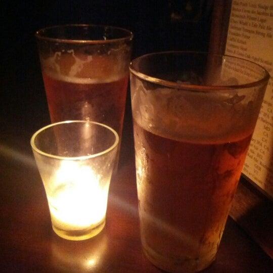 Foto tomada en Fourth Avenue Pub por Bob D. el 8/11/2012