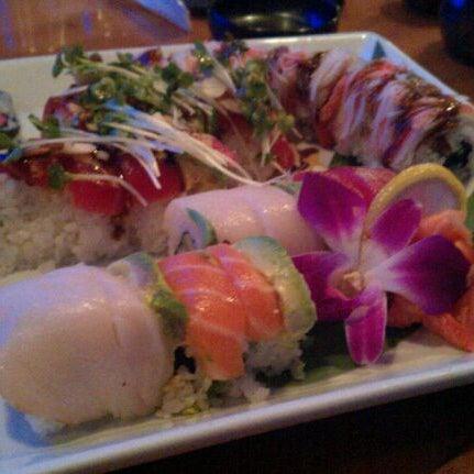 Das Foto wurde bei Mura Japanese Restaurant von Tetyana T. am 8/26/2011 aufgenommen