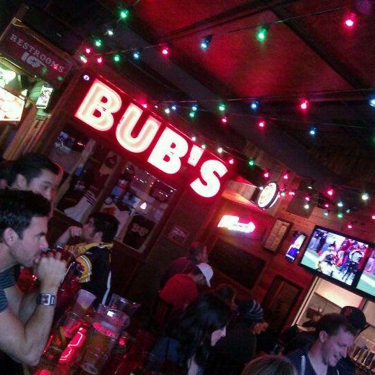 รูปภาพถ่ายที่ Bub's at the Ballpark โดย James H. เมื่อ 1/9/2012