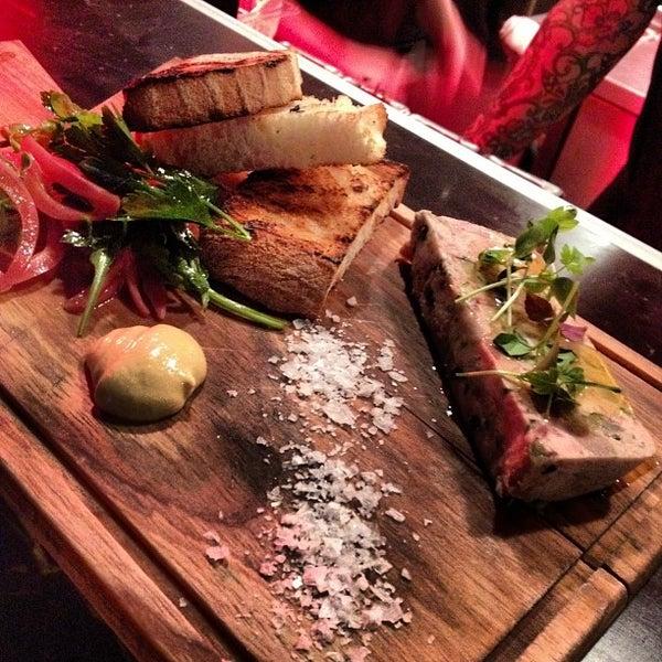 Das Foto wurde bei Blue - Butcher & Meat Specialist von @tinhead Raj T. am 8/25/2012 aufgenommen