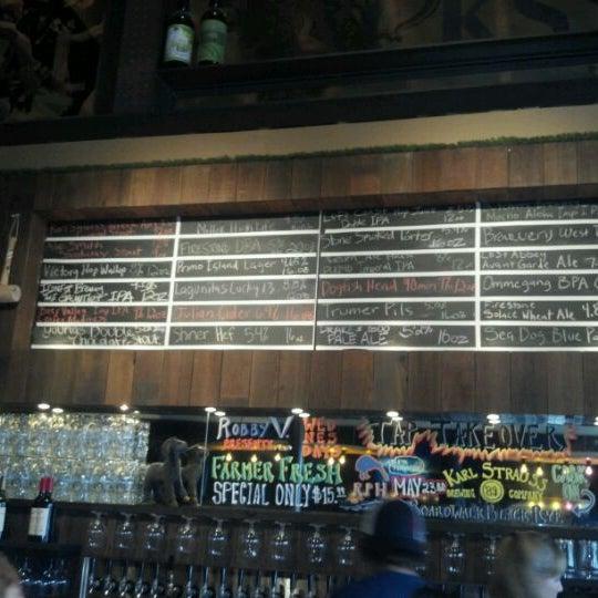 Das Foto wurde bei Raglan Public House von Dana C. am 5/18/2012 aufgenommen