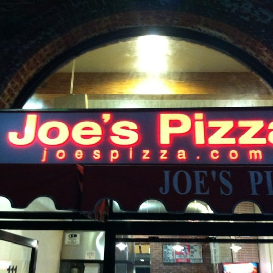 Photo prise au Joe's Pizza par Gabriel le8/13/2012