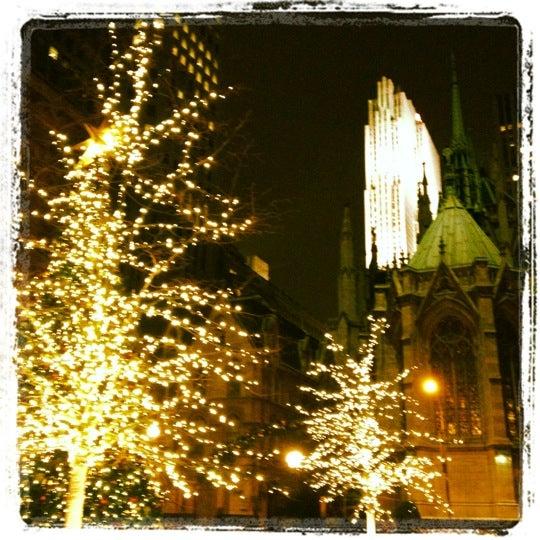 Foto diambil di Bistro Chat Noir oleh John L. pada 12/18/2011
