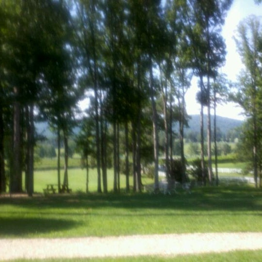 8/24/2011 tarihinde Kimberly G.ziyaretçi tarafından Keswick Vineyards'de çekilen fotoğraf