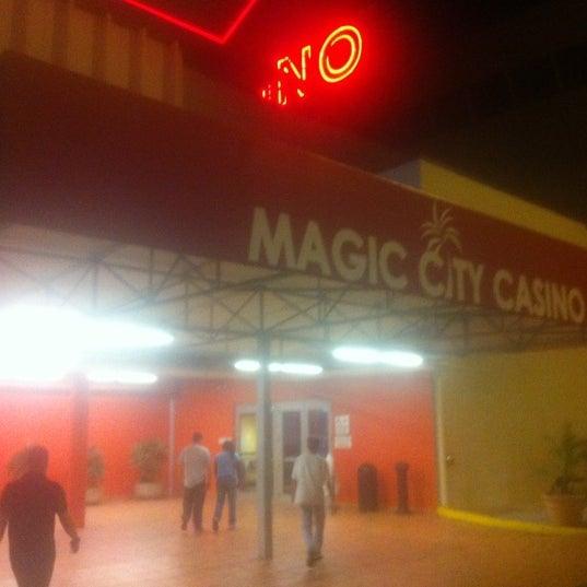 Foto tomada en Magic City Casino por Adrian C. el 4/7/2012
