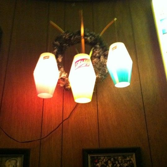 11/13/2011にSarah C.がHigh Life Loungeで撮った写真