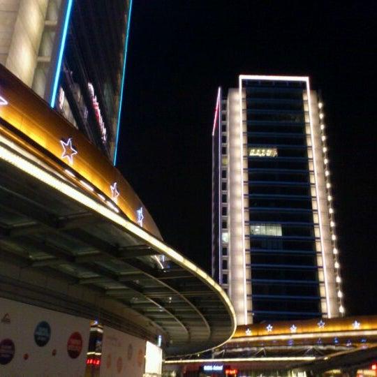 Das Foto wurde bei Tepe Prime Avenue von Egemen Y. am 2/10/2012 aufgenommen