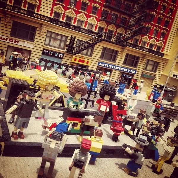 Foto tirada no(a) Legoland California por Alex M. em 7/18/2012
