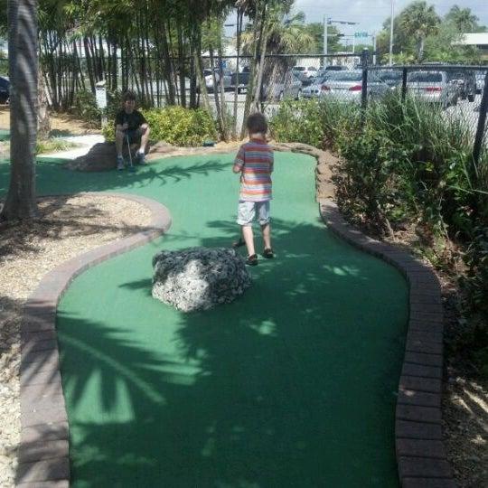 Das Foto wurde bei Palmetto Golf Course von Cary S. am 3/10/2012 aufgenommen
