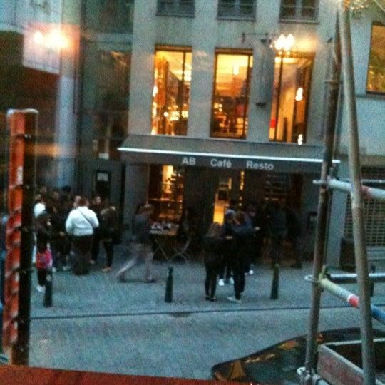 Foto tirada no(a) Bonnefooi por Sam D. em 5/11/2012