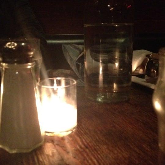 Foto tirada no(a) Bankers Hill Bar & Restaurant por Geordie D. em 3/7/2012