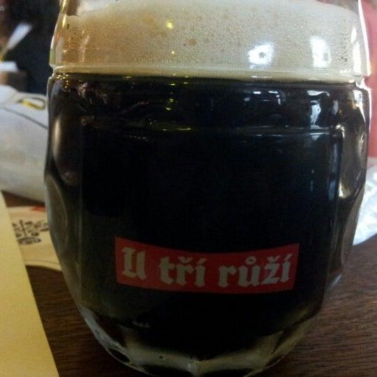 Снимок сделан в Pivovar U Tří růží пользователем Diogo V. 7/21/2012