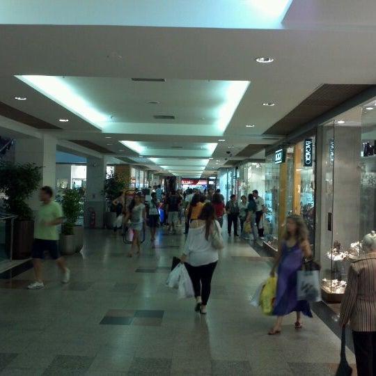 9/24/2011 tarihinde Luiz Antonio B.ziyaretçi tarafından Shopping Tijuca'de çekilen fotoğraf