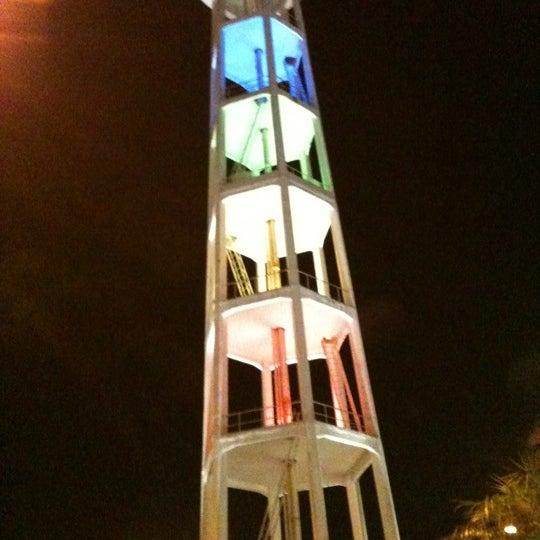 Das Foto wurde bei Grand Plaza Shopping von Charlestom H. am 3/19/2012 aufgenommen