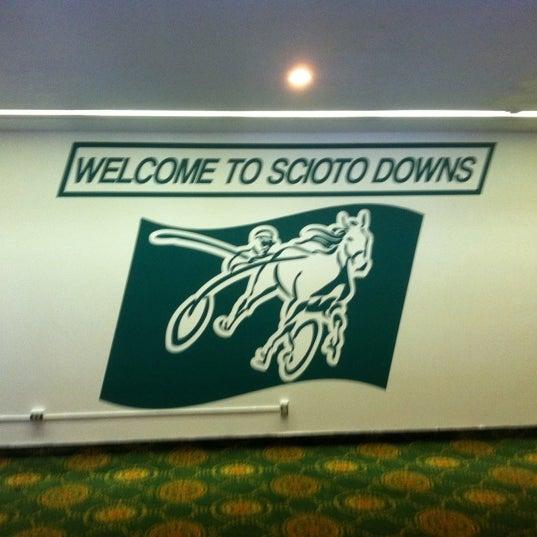 Photo prise au Eldorado Gaming Scioto Downs par Austin S. le5/20/2011